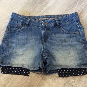 🌺 Arizona Jean Shorts…Adjustable Waist 🌺